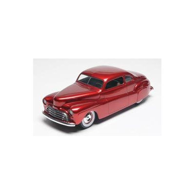 Revell 85-4253 Modèle à coller 1948 Ford Custom Coupe 3' n 1